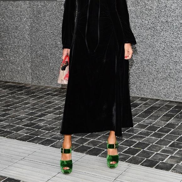 0a479331bbc XOXO green velvet platform sandals like Prada sz 8